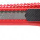 нож прорезной с выдвижным сегментированным лезвием - INTERTOOL HT-0500